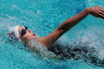 วิธีว่ายน้ำท่ากรรเชียง