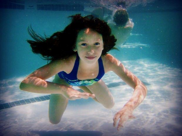 เด็กว่ายน้ำ