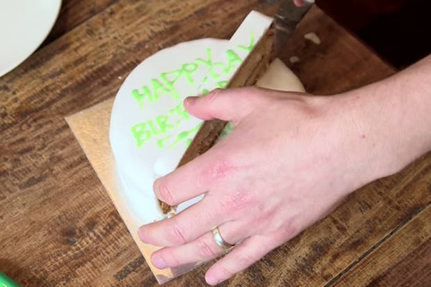 วิธีตัดเค้ก (2)