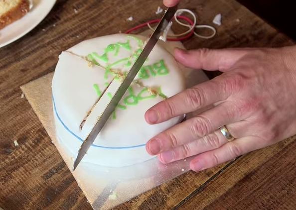 วิธีตัดเค้ก (6)