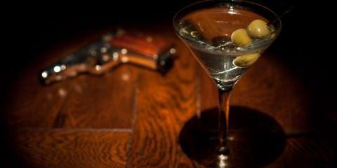 วิธีทำ Cocktail โดยใช้ Gin - Dry Martini