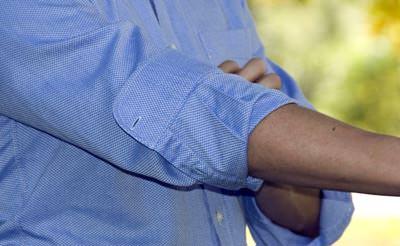 วิธีพับแขนเสื้อให้ดูดี Master Sleeve Roll, Italian Roll (3)