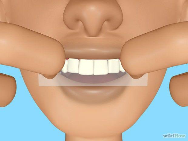 วิธีทําให้ฟันขาว Get-Whiter-Teeth-at-Home-Step-4