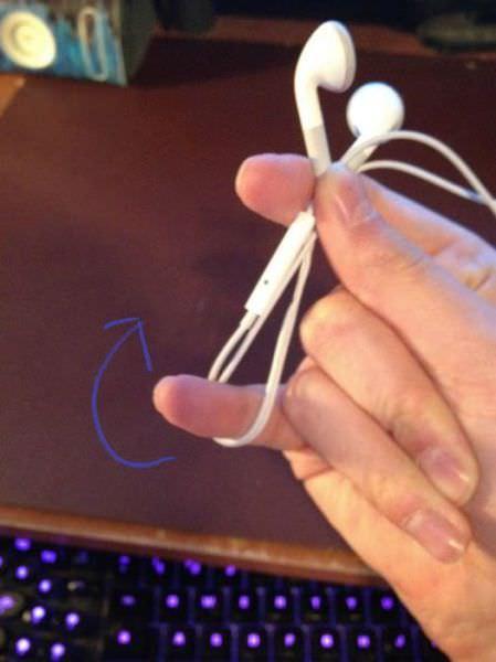 วิธีเก็บหูฟัง iPhone ให้เรียบร้อยแบบง่ายๆ4