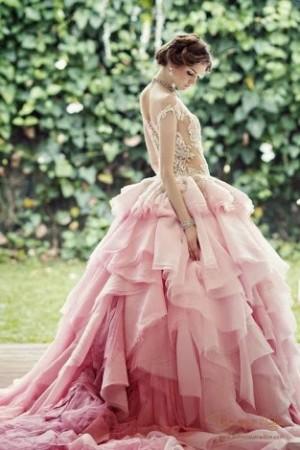 voluminous lace gowns,
